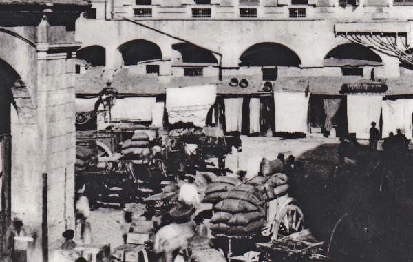 Piazza Caricamento, Genova